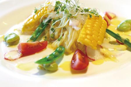 【ランチ限定】 甘々娘と旬野菜のクリーミーな冷製カッペリーニ(自家製フォカッチャ付) 1,000円